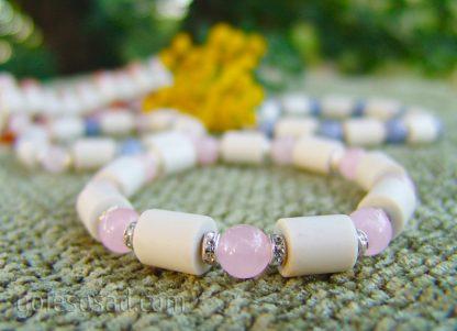 Браслет c ЭМ-керамикой и розовым кварцем